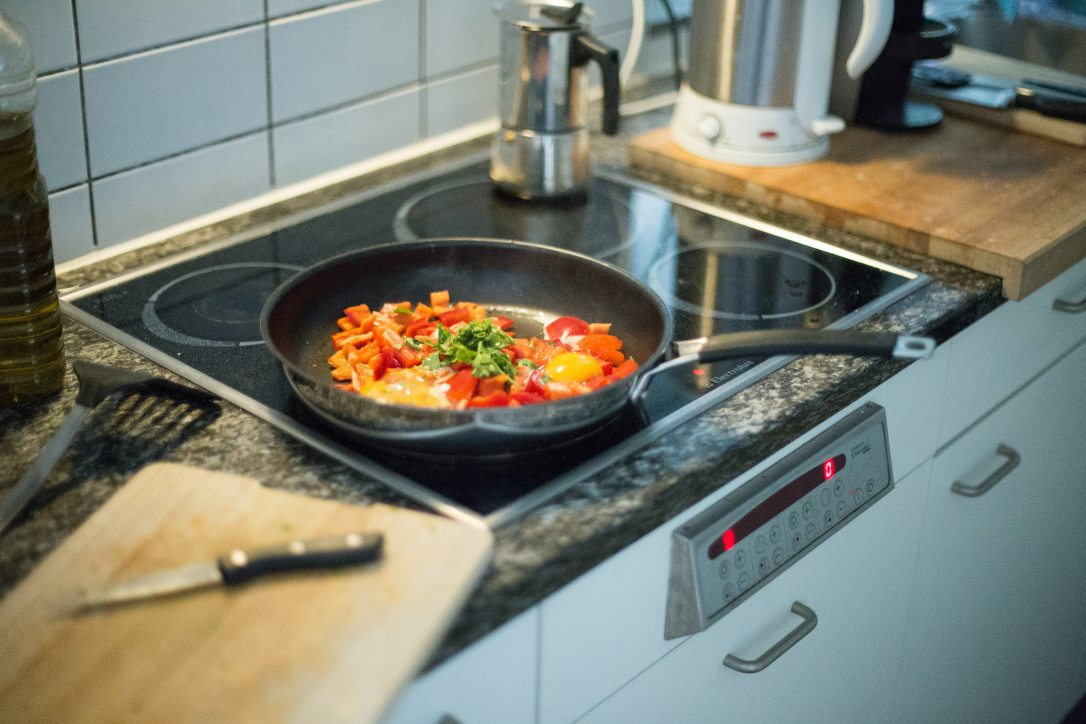 cook-cooking-dinner-89235